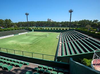 宮崎・シーガイアでテニス